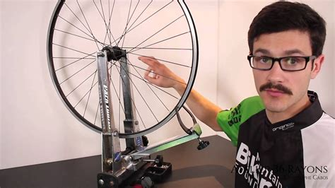 Introduction devoilage roue velo - YouTube