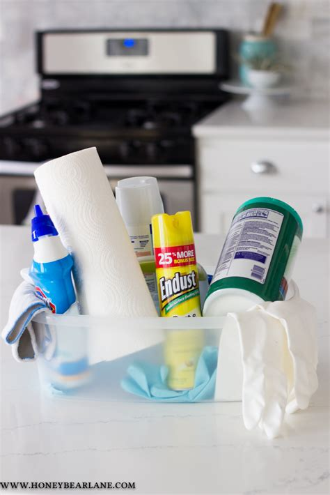 8 Ways to Keep Your House Clean During the Holidays