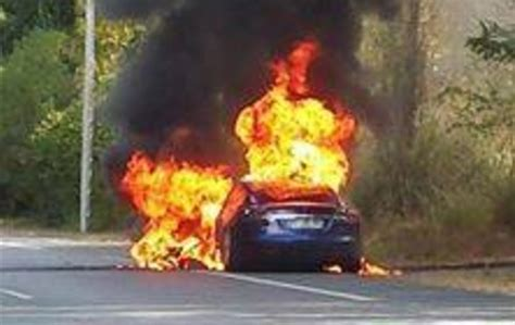 Tesla Model S catches on fire in France during test drive
