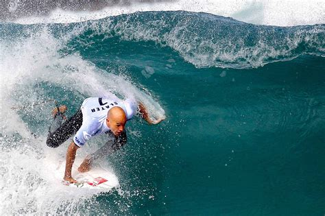Kelly Slater's Wave-Finding Tips - The New York Times
